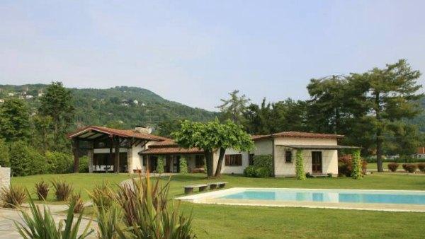 paradiso sul lago gira italian villas. Black Bedroom Furniture Sets. Home Design Ideas