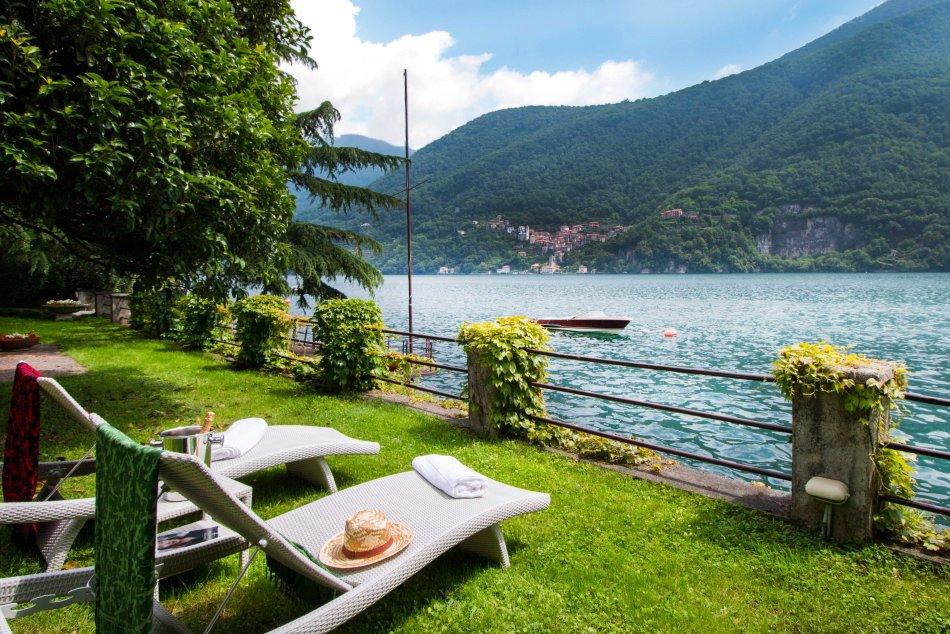 La Moda Gira Italian Villas