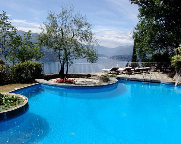 Vista varenna 15 gira italian villas for Club piscine catalogue