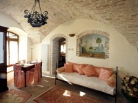 assisi apartments for rent